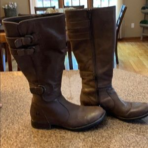 Women's Born brown leather boots size 7.5
